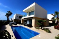 ULTRA MODERN DETACHED VILLA 3 BEDROOM 2 BATHROOM  CORNER PLOT FRONT LINE TO GREEN AREA VISTABELLA GOLF