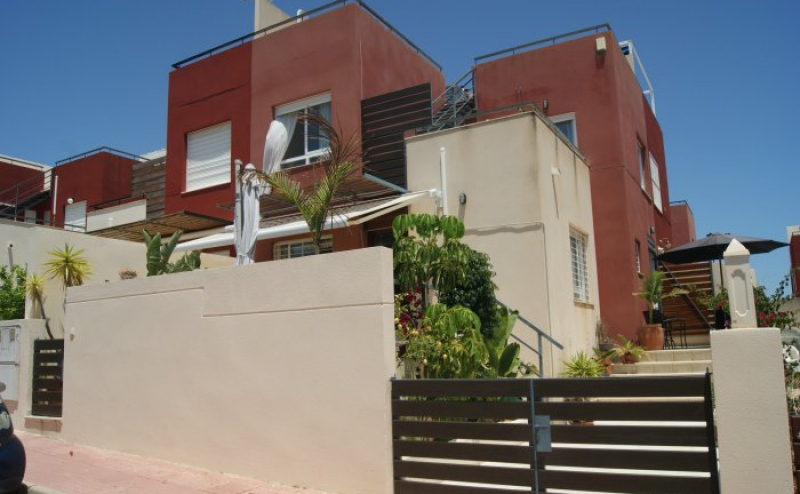 STUNNING MODERN SEMI DETACHED 3 BEDROOM 2 BATHROOM EL GALAN VILLAMARTIN