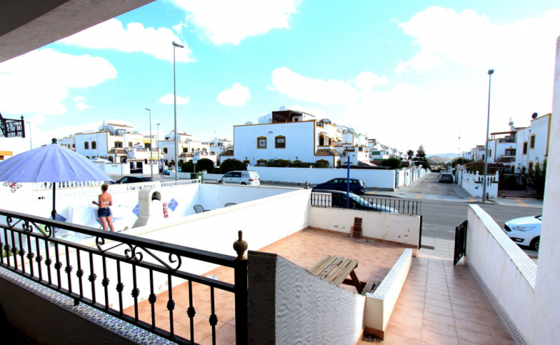RVS917 GROUND FLOOR SOUTH FACING APARTMENT ENTRE NARAJOS VISTABELLA GOLF