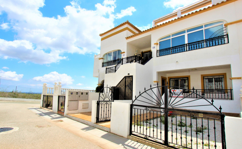 RVS757GF   GROUND FLOOR 2 BEDROOM 1 BATHROOM APARTMENT ENTRE NARANJOS VISTABELLA
